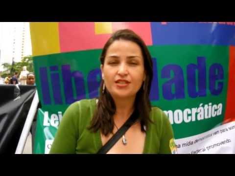 Coleta de assinaturas da Lei da Mídia Democrática em BH