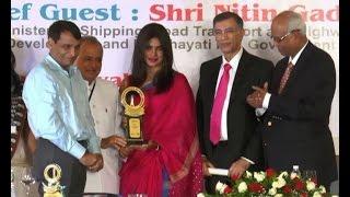 Priyanka Chopra bags Award for 'Mary Kom' - BOLLYWOODCOUNTRY