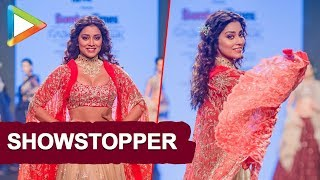 Shriya Saran walks on Ramp at Bombay Times Fashion Show - HUNGAMA