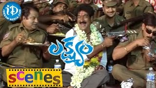 Lakshyam Movie Scenes || Jagapati Babu Police Team Attacks on Criminals - IDREAMMOVIES