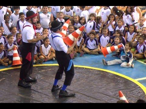 TV Costa Norte - Crianças de Bertioga se divertem com espetáculo circense