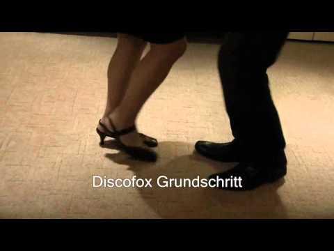 Grundschritt Discofox mit (Disco)Musik