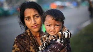 رئيس وزراء نيبال يقدم تعازيه لأهالي ضحايا الزلزال