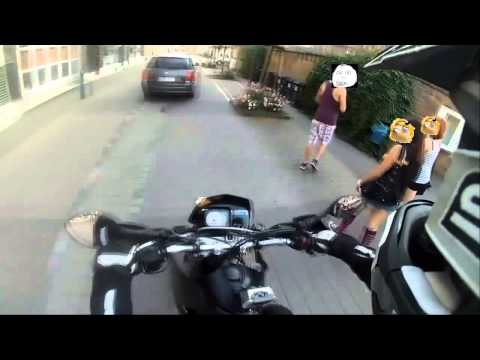 How to scare People with a Supermoto // Ktm 640 // Loud Brap!!!