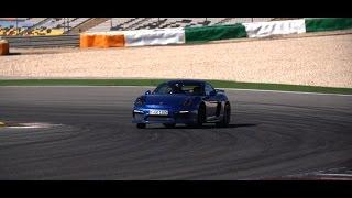 التجربة الأولى لقيادة بورش كايمن GT4 مع كريس هاريس