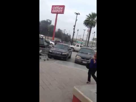 De desata el demonio en Reynosa, calles cerradas, negocios y vehiculos incendiados, vehiculos