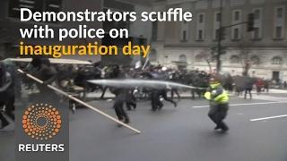 Anti-Trump protesters scuffle with police - REUTERSVIDEO