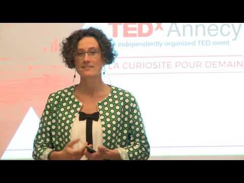 Oser l'authenticité et l'improvisation de l'instant !   Corinne CAPDEQUI PEYRANERE   TEDxAnnecy