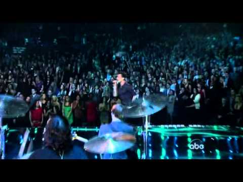 American Music Awards 2011 - Maroon 5 Ft. Christina Aguilera - Moves Like Jagger