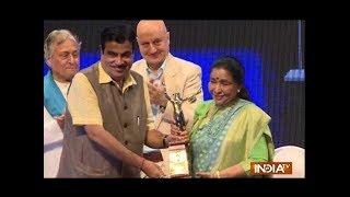 Anupam Kher, Asha Bhosle honoured with Master Deenanath Mangeshkar Award - INDIATV