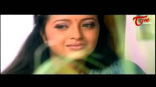 Uday Kiran Romance with  Reema Sen || Best Romantic Scene of Tollywood #121 - TELUGUONE
