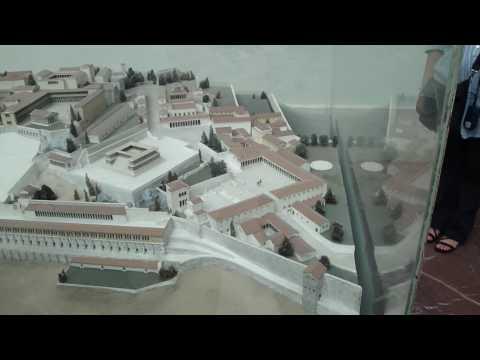 Berlin   Pergamonmuseum  Maqueta de la ciudad de Pergamo