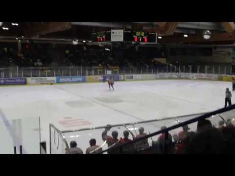 Penalty Stefan Ortolf (Blue Devils Weiden vs. Deggendorf Fire am 02.03.2014)