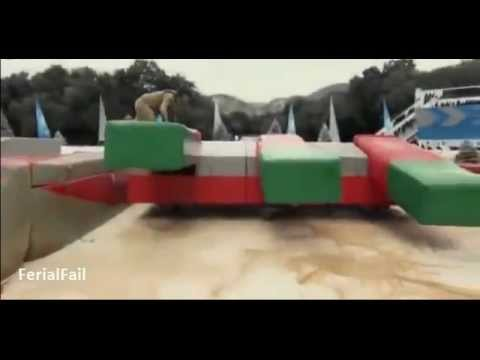 Wipe-Out Funny Accidents &amp; Fails || Season 4 Compilation 2012! (with subtitles)