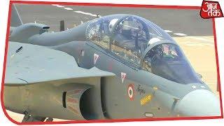 Aero India 2019: सेना प्रमुख General Bipin Rawat ने Tejas विमान में भरी उड़ान - AAJTAKTV