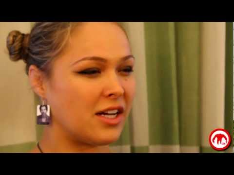 Ronda Rousey tells us in detail what it feels like to tear apart an arm