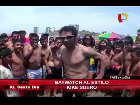 Baywatch al estilo de Kike Suero: El superhéroe que vigila las playas