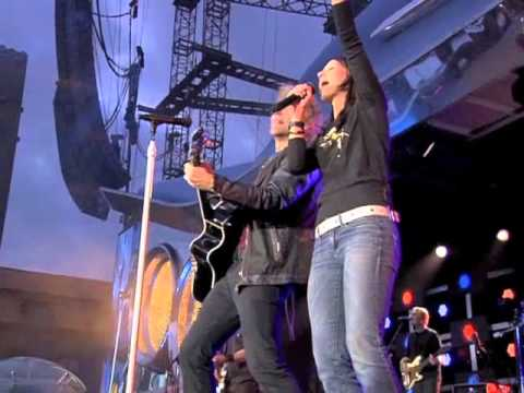 Bon Jovi feat. Christina Stürmer - Who says you can't go home (Live in Stockholm)