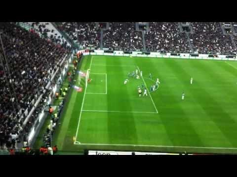 Juventus - Pescara 06/04/2013 rigore di Vucinic ed esultanza in mutande