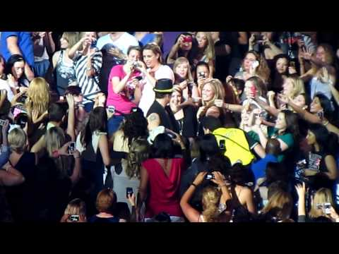 [HD] - NKOTBSB - Shape of My Heart - Toronto Air Canada Centre ACC - June 8 2011