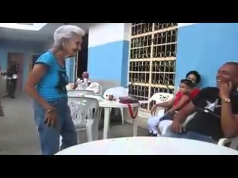 El baile de la abuela - 90 años