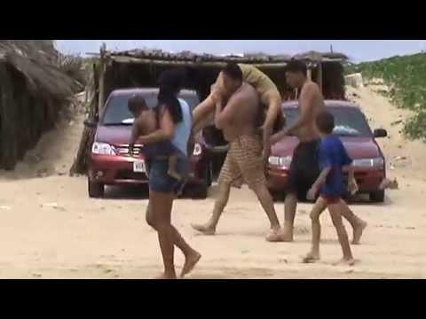 borracha en la playa de caimare chico (venezuela)
