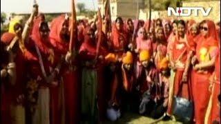 आखिर क्यों हो रहा है फिल्म 'पद्मावत' का विरोध? - NDTVINDIA
