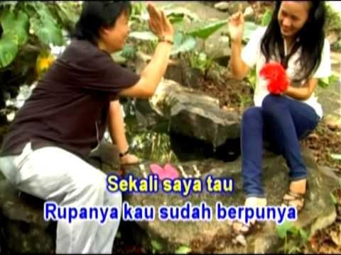 Download Lirik Gelas Jatuh Lantai – Apiang Sausun
