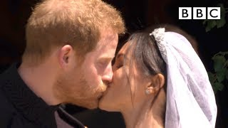 The procession begins with a kiss! - The Royal Wedding - BBC - BBC