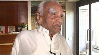 Yoga guru BKS Iyengar dies at 95 - NDTV