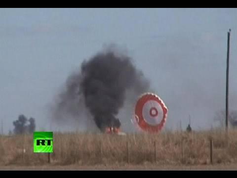Video dramatic pilot supraviețuitor după  ce aripa avionului se rupe  aer