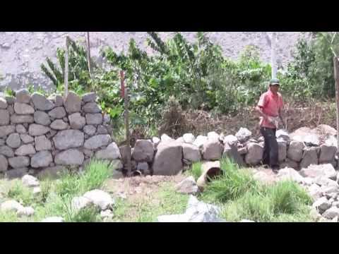 Muro de Piedras y Barro en Santa Eulalia