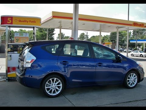Thumbnail image for '2012 Toyota Prius V - Cutting It Close aka Guided Parallel Parking Video'