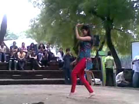 Hip hop dance local girl lohajani