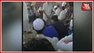 भरी पंचायत में गांव के बीच कोड़े की बरसात! पिटाई का Video Viral होने पर जाएगी पुलिस - AAJTAKTV