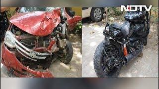 डीएनडी फ्लाईओवर पर कार की टक्कर से बाइक सवार यमुना में गिरा - NDTVINDIA