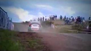 Vid�o Crazy jumping tarmac action - with pure engine sounds par amjayes (5762 vues)