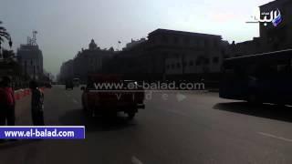 بالفيديو والصور.. «المرور» تمنع انتظار السيارات في شارع رمسيس