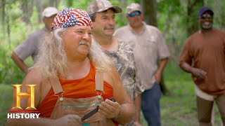 Swamp People: Bonus - Knife Throwing Battle: Round 2 (Season 9) | History - HISTORYCHANNEL
