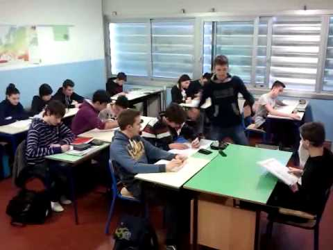 Harlem Shake in classe travestiti