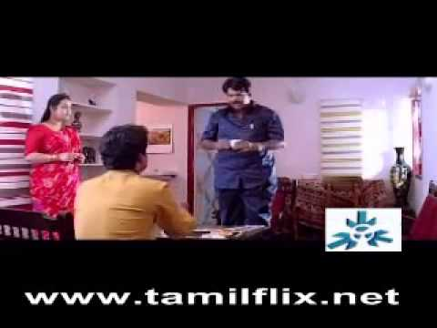Aunty exposes deep navel in saree to director in front of husband