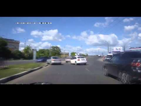 Russian Crash as Entering Motorway - Car Crash Daily