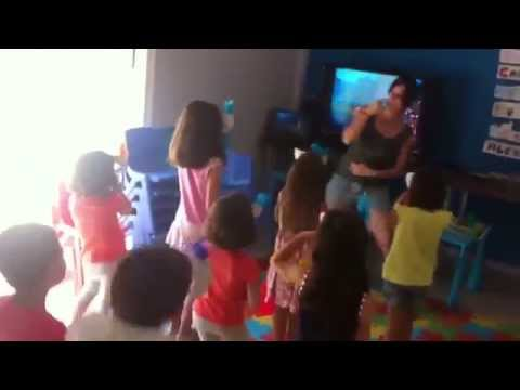 Baile de Máscaras de Dinosaurios - Speak and Wake Up