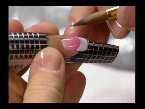 Как наращивают ногти акрилом в домашних условиях