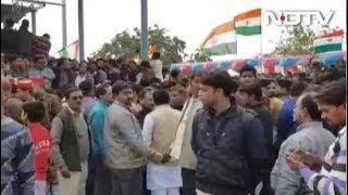 उन्नाव में शहीद की अंतिम यात्रा - NDTVINDIA