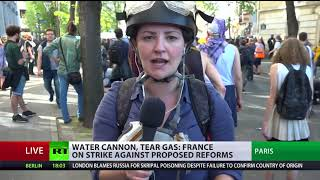 Water cannon & tear gas: Thousands march to denounce Macron's reforms - RUSSIATODAY