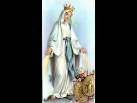 اليك الورد يا مريم