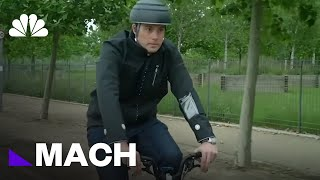 A Smart Jacket That Could Make Riding Safer For Cyclists | Mach | NBC News - NBCNEWS