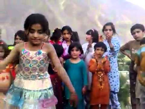 Cute girl gilgit baltistan mast dance pakistan