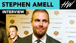 """Arrow's"" Stephen Amell Proudly Admits His Mom Is His Hero! 